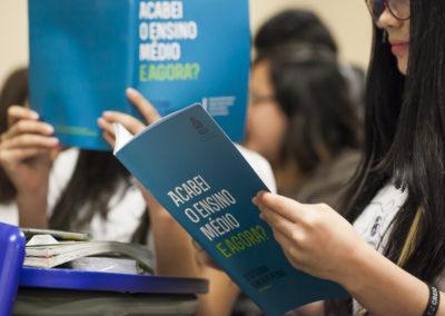 Conheça o ESTUDAR VALE A PENA ação de voluntariado do Instituto Unibanco que busca diminuir a evasão escolar.